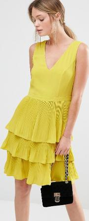 Oasis , V Neck Pleat Tiered Dress Chartreuse